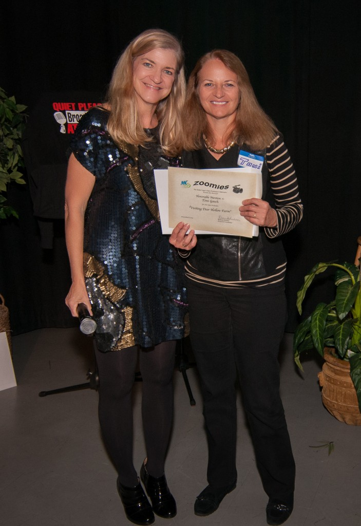 9th zoomie awards nov 2014-25-Becky and Toni with certificate